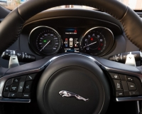 Novo Jaguar XE 2017