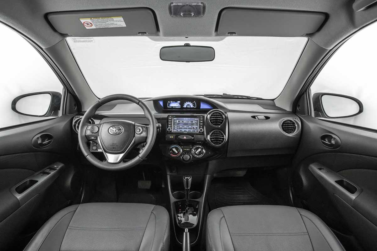 Novo Toyota Etios Platinum 2017