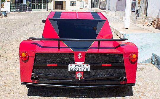 Ferrari Brasileira Traseira