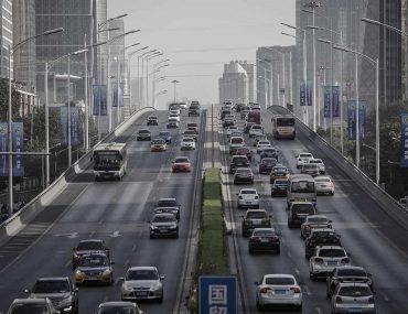 Califórnia planeja proibir comercialização de automóveis a gasolina e diesel