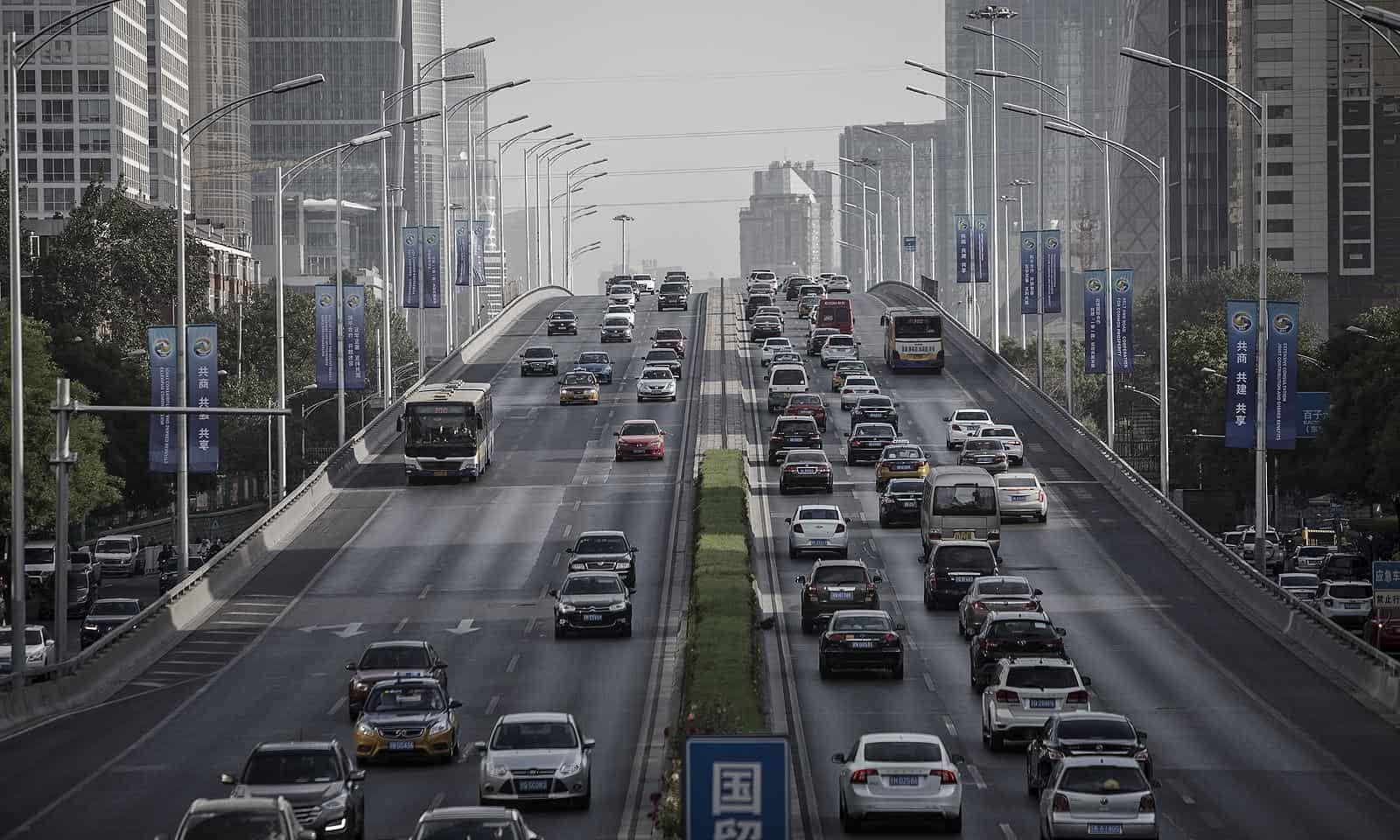 China planeja proibição de veículos de combustíveis fósseis