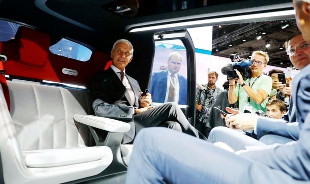 Volkswagen prepara seus robôs para veículos EV