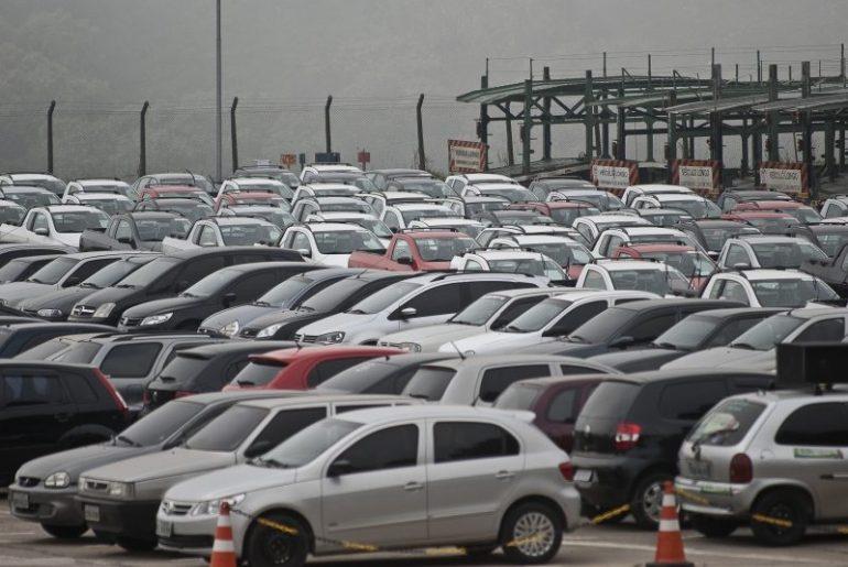 Detran DF realiza leilão de veículos